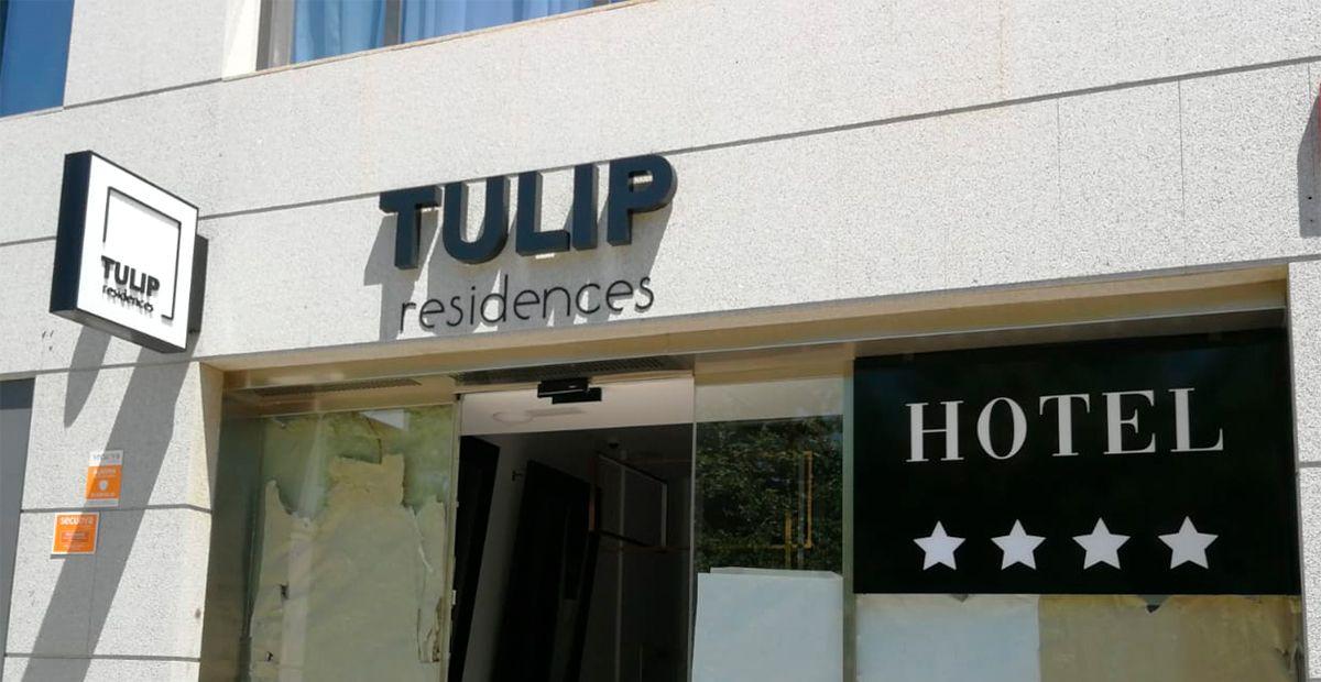 Letras aluminio luz indirecta tulip.